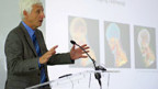 Jean-Dominique Vassalli, Rektor der Uni Genf, stellt am 11. Juni das Projekt Neuropolis vor.
