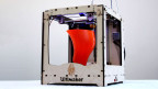 Der 3D-Drucker «Ultimaker» (ab 1194 Euro) kann unter anderem selbstentworfene Vasen «ausdrucken».