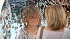 Ein klarer und eindeutiger Blick auf uns selber erweist sich immer wieder als Illusion, hier dargestellt im Werk «Untitled» von Anish Kapoor an der Art Basel 2009.