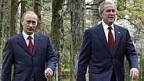Männerfreundschaft verbindet Putin (l) und Bush.