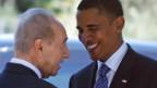 Der israelische Staatspräsident Peres (l.) empfängt Barack Obama.