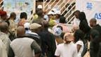 Warteschlange vor einem Wahlbüro in Luanda.