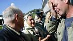Bosnier beklagen den Verlust ihrer Angehörigen.