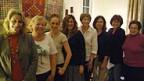 Acht Frauen treffen sich zu einer sogenannten Houseparty, um das Thema  Frauen und Politik zu besprechen.