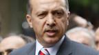 Ministerpräsident Erdogan beschuldigt indirekt die PKK für die Anschläge.