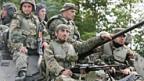 Georgische Soldaten ziehen sich zurück.