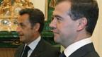 Sarkozy (l.) und Medwedew stellen Friedensplan vor.