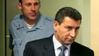 Ante Gotovina (r.) auf dem Weg ins Tribunal in Den Haag.