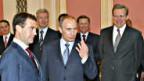 Wladimir Putin stellt sein Kabinett vor.