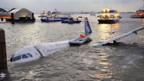 Spektakulären Notlandung einer Airbus-Maschine auf dem Hudson-Fluss in New York.