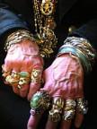 Die Hände von Lori Bruno.
