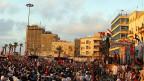 Auf dem Freiheitsplatz in Benghasi treffen sich jeden Abend Tausende Libyer.