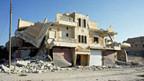 Zerstörtes Haus in der Nähe Aleppos