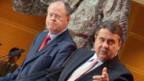 Peer Steinbrück (l) und  Sigmar Gabriel (r) an der Pressekonferenz am 28.9.2012 in Berlin