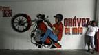 Graffiti in Caracas: Hugo Chavez als Motorrad-Taxifahrer