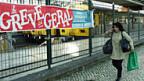 Leere Perrons in Lissabon - wegen des Generalstreiks.