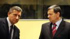Ex-General Ante Gotovina (L) und Mladen Markac verlassen als freie Männer Den Haag.