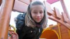 Angelina auf ihrem Lieblings-Spielplatz.