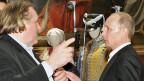 Gute Freunde: Gérard Depardieu und Wladimir Putin am 11. Dezember im Russischen Museum in St. Petersburg.