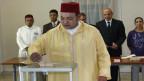 Als im Arabischen Frühling auch in Marokko die Proteste aufflammten, sah sich König Mohammed VI. zu einer Reaktion gezwungen.