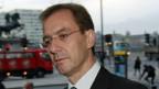 Marcel Rohner auf dem Weg zur Befragung vor der britischen Parlamentskommission.