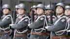 Am Sonntag entscheidet sich, ob Österreichs Soldaten künftig nicht mehr ins Heer einrücken müssen, sondern Soldaten sein können - wenn sie wollen.