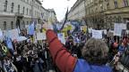 Rund 100'000 Angestellte aus dem öffentlichen Sektor haben in Slowenien gegen die Sparmassnahmen protestiert.