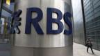 Im 2012 verzichtete der Chef der Royal Bank of Scotland nach einem öffentlichen Aufschrei auf seinen Bonus. Royal Bank of Scotland in London.