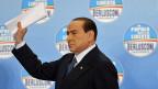 Silvio Berlusconi verspricht seiner Wählerschaft das Blaue vom Himmel.