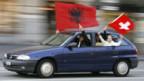 Die Kosovaren feiern.