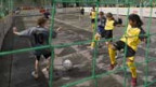 Junge Fussballer bei einem «buntkicktgut»-Turnier