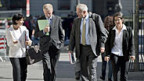 Am 28. September herrschte noch Optimismus bezüglich der Kosten des Atomausstiegs: Bundesrätin Leuthard mit ihrer Entourage auf dem Weg zur Medienkonferenz zur «Energiestrategie 2050».