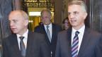Der neue Bundespräsident Ueli Maurer (links) will die Auslandreisen weitgehend Aussenminister Burkhalter (rechts) überlassen.