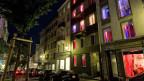 Prostituierte bieten sich im Niederdorf in Zürich an.