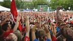 Spiele im öffentlichen Raum statt im Stadion schauen: Public Viewing in Zürich an der WM 2006.