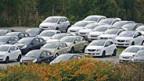Im Opel-Werk Eisenach stapeln sich die unverkäuflichen Autos.