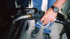 Der Benzinpreis ist so tief wie seit vielen Monaten nicht mehr.