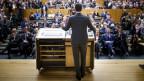 Pierre Maudet spricht an der ausserordentlichen Generalversammlung zur Genfer FDP-Basis.
