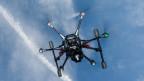 Drohnen sollen die Felder absuchen.