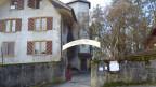 Schlössli Ins: Seit 1953 Zentrum eines anthroposophischen Jugendheims mit Schule, Unterkünften und Werkstätten.