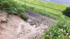 Die verschüttete Bahnstrecke bei Flamatt vor der Räumung