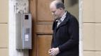 Peter Hans Kneubühl verlässt das Bieler Gerichtsgebäude.