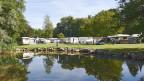 Am Neuenburgersee gefällt es den Campern.
