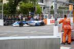 E-Boliden flitzen durch Bern.