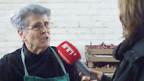 Renate Probst in ihrer Zwiebel-Werkstatt.