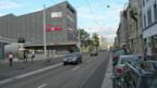 """Die Güterstrasse - eine der Längsachsen im """"Gundeli""""."""