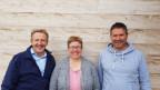 Maja Grunder mit ihrem Co-Präsidenten Daniel Vetterli (rechts) und ihrem Vorgänger Markus Hausammann.
