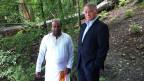 Der Hindu-Priester Saseetharen Ramakrischna Sarma und Luzerns Stadtpräsident Urs Studer sehen die Flussbestattungen als Zeichen der religiösen Gleichstellung.