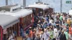 Ansturm von Touristen auf die Rigi Bahn.