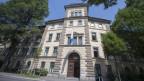 Das Kantonsgericht sei die dritte Gewalt im Staat und gehöre deswegen ins Zentrum des Kantonshauptorts, genau wie das Parlament.
